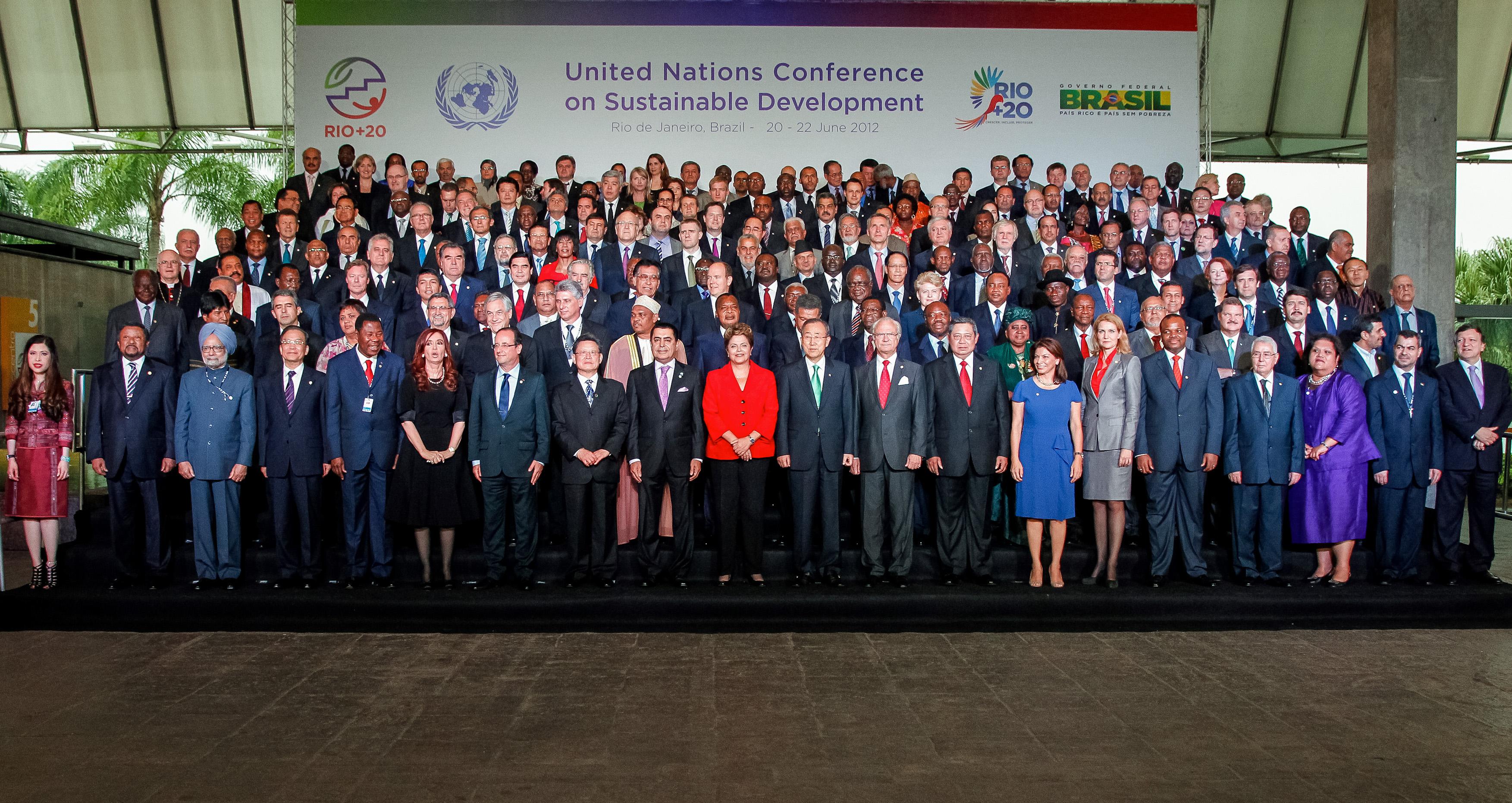 Rio de Janeiro - RJ, 20/06/2012. Presidenta Dilma Rousseff posa para foto oficial da Conferência das Nações Unidas sobre Desenvolvimento Sustentável (Rio+20). Foto: Roberto Stuckert Filho/PR