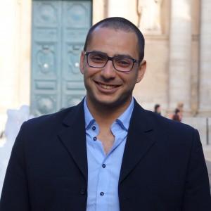 Moustafa Benberrah Membre de l'équipe éditoriale, responsable du pôle de traduction arabe