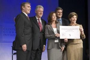 PAC 149 – Les courtiers illustres du philanthrocapitalisme Les controverses sur la Fondation Clinton